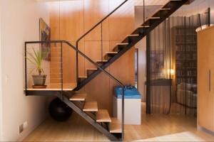Лестница на металлокаркасе №05