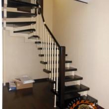 Лестница на металлокаркасе №02