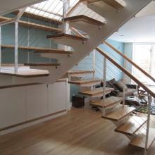 Лестница на металлокаркасе №08