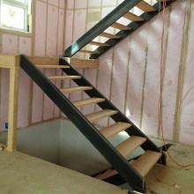 Лестница на металлокаркасе №11